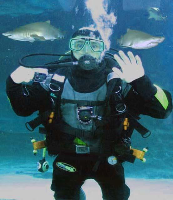 Deep Sea World Aquarium Scuba Diving