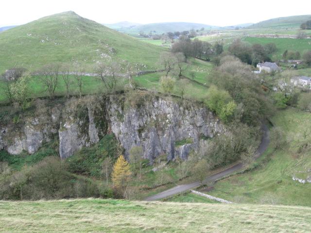 aldery-cliff peak district climbing