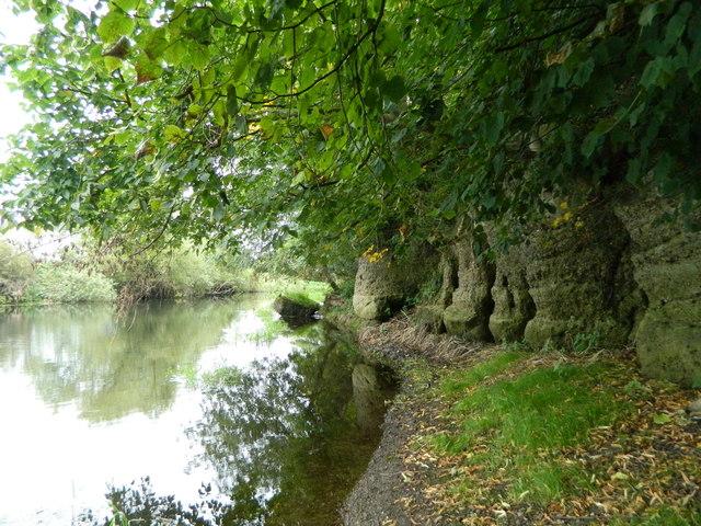 anchor-church wild swimming derbyshire
