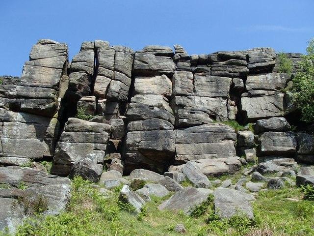 birchen-edge climbing derbyshire