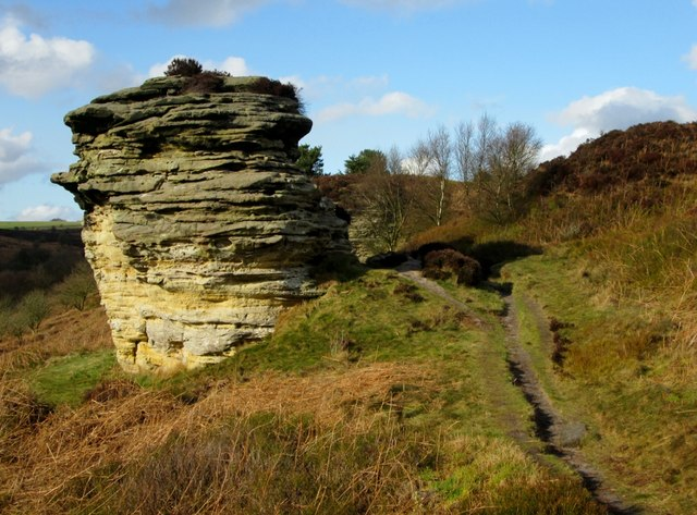 bridestones-north-yorks-moors north yorkshire climbing