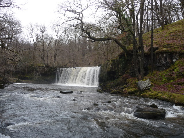 lower-ddwli-falls wild swimming brecon beacons